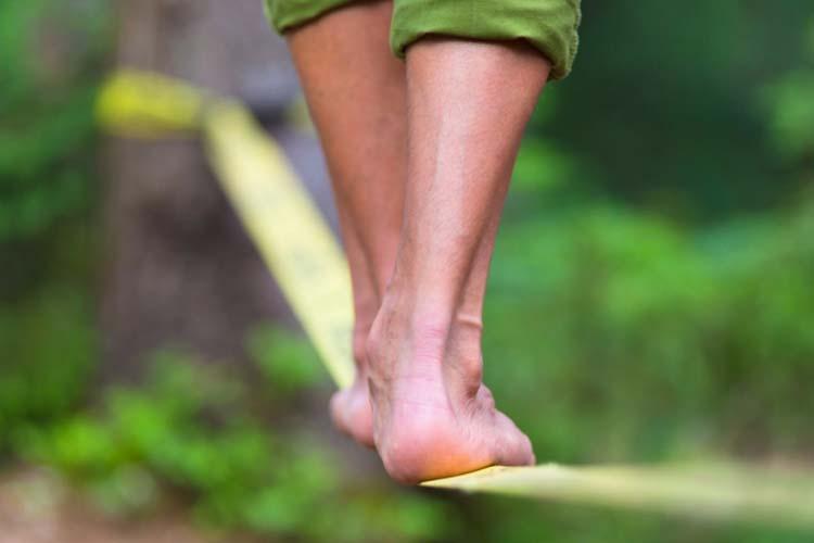 Più riesci a stare in equilibrio su una gamba e più il tuo cervello è sano