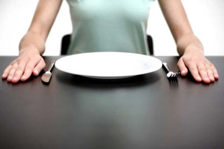 I 15 cibi da mangiare o evitare quando sei a stomaco vuoto