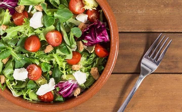 Una dieta a basso contenuto di carboidrati è la chiave per combattere il cancro e le malattie cardiache