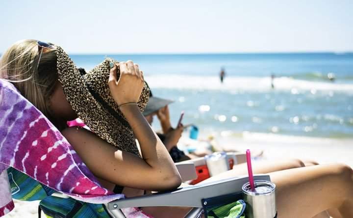 Le armi per proteggere al meglio la pelle dai raggi solari