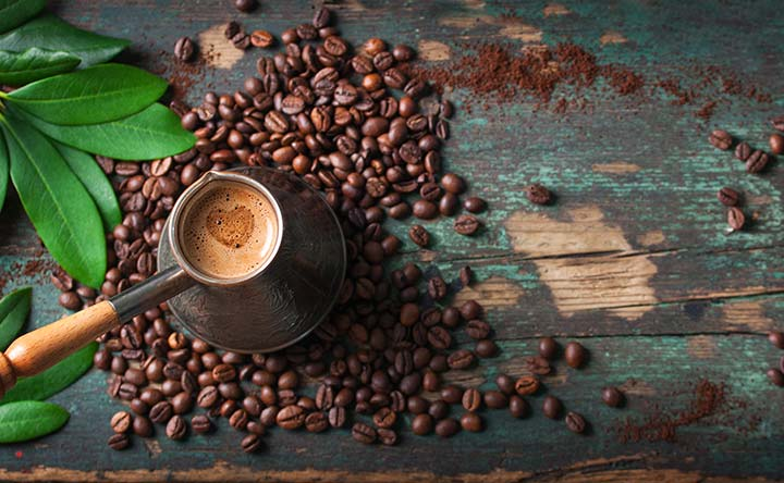 Vuoi un clistere di caffè? Aumenta la forza energetica e la vitalità