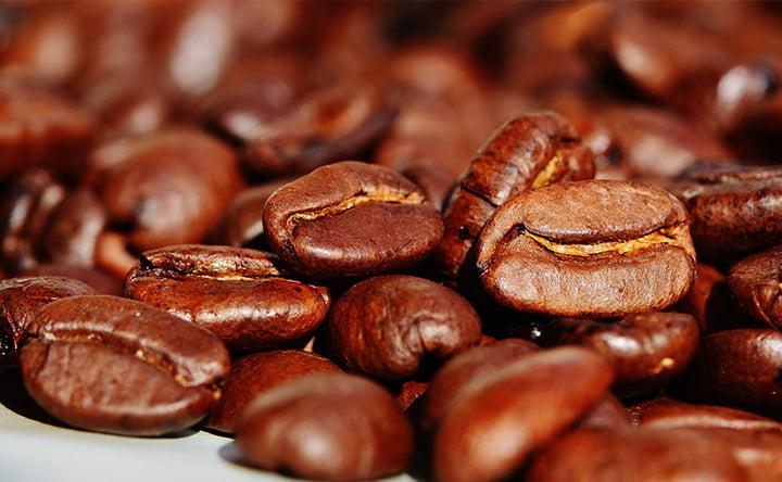 Perché non dovremmo amare il gusto amaro del caffè, e invece ci piace così tanto?