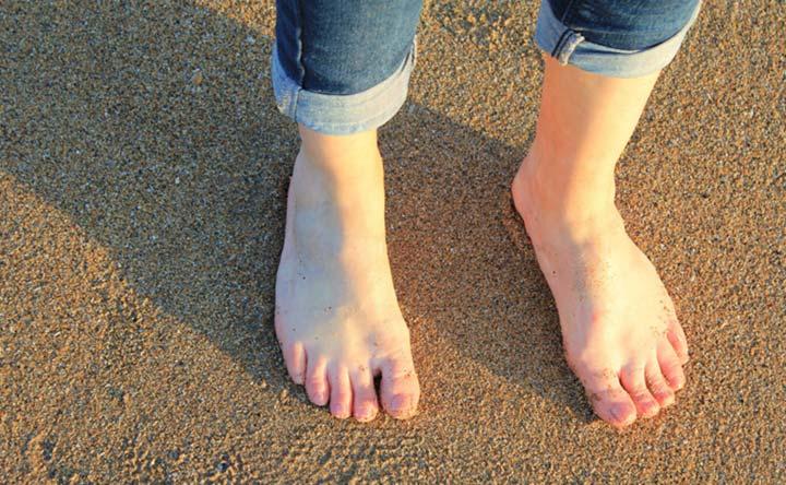 Perché si gonfiano le caviglie e come alleviare i sintomi?