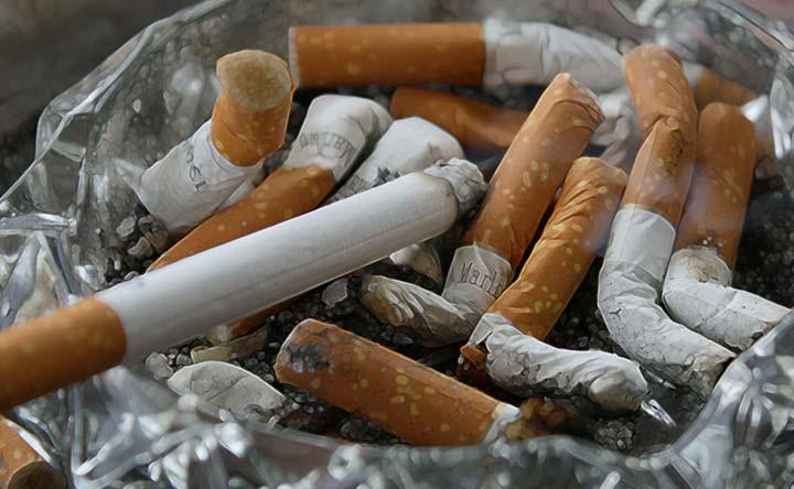Evita gli ambienti pieni di fumo per proteggere il tuo cuore