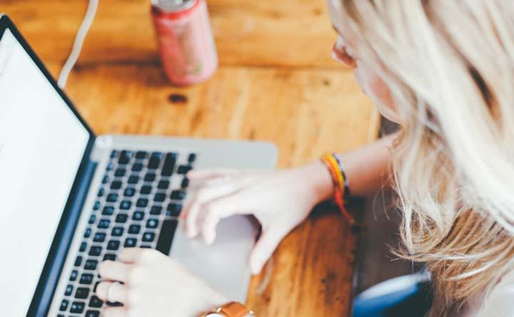Passi troppo tempo a cercare i sintomi online? Potresti essere un cybercondriaco