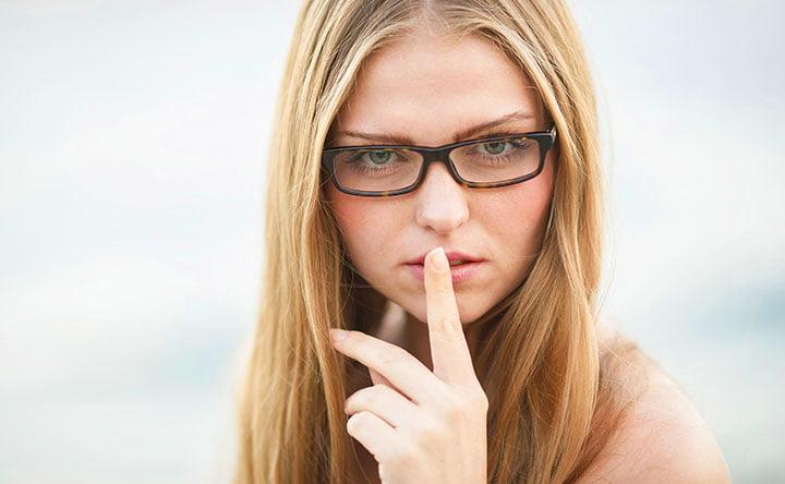 COVID 19: perchè è importante non toccarsi il viso